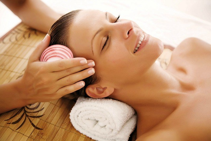 how to tighten face skin - facial massage