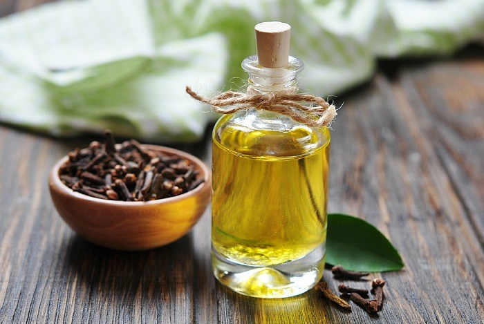 home remedies for scabies - clove oil