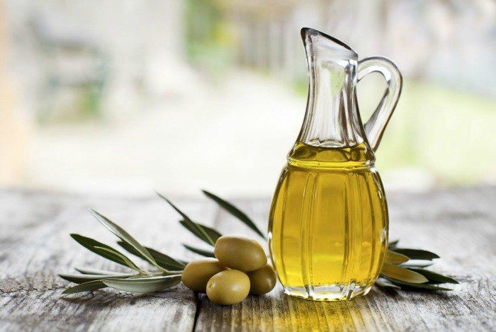 home remedies for eczema - olive oil and honey (or sugar)