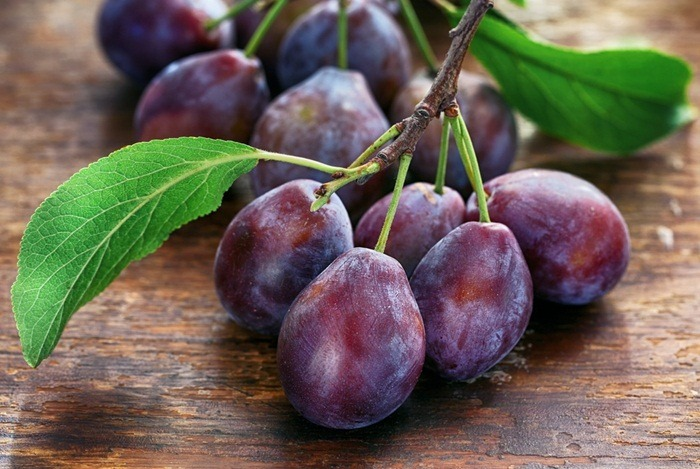home remedies for hemorrhoids - prunes