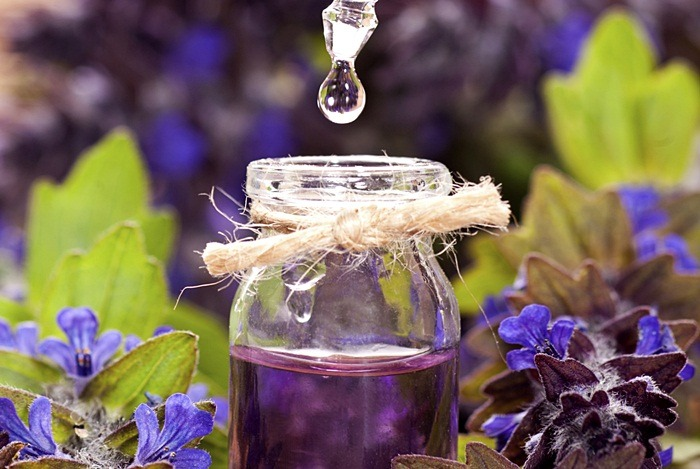 home remedies for scabies - pure lavender oil