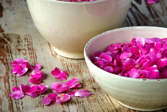 how to tighten belly skin - rose water