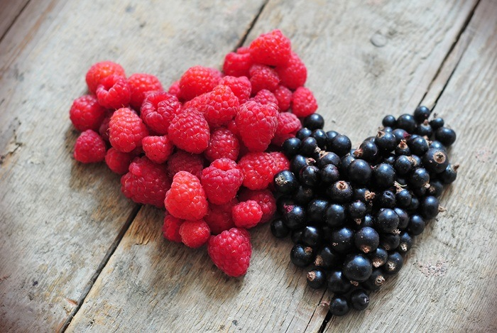 how to get beautiful skin - berries
