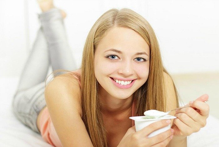 home remedies for bad breath - eat yogurt