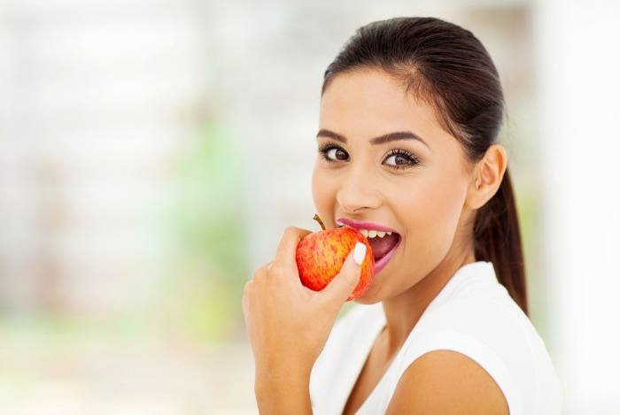 home remedies to whiten teeth - apple