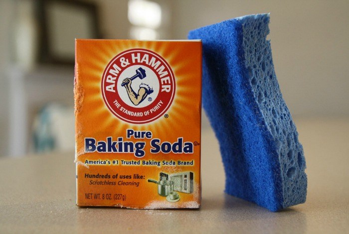 home remedies to whiten teeth - baking soda