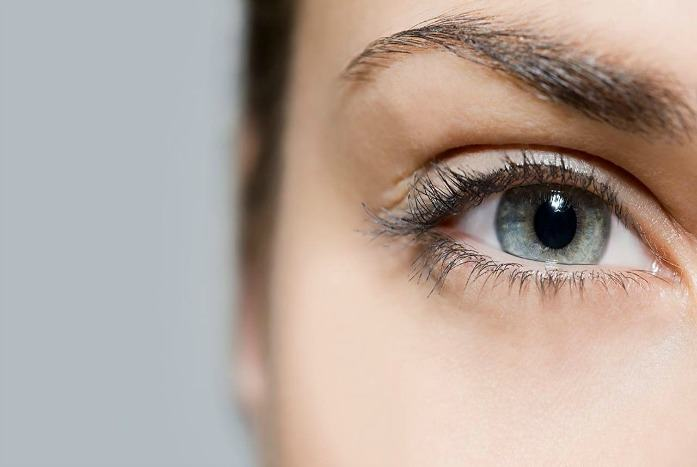 home remedies for dry eyes - frequent blink