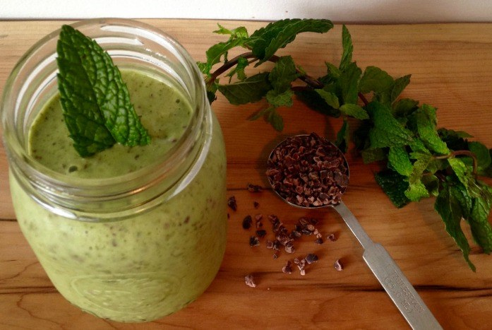 how to make a smoothie with matcha